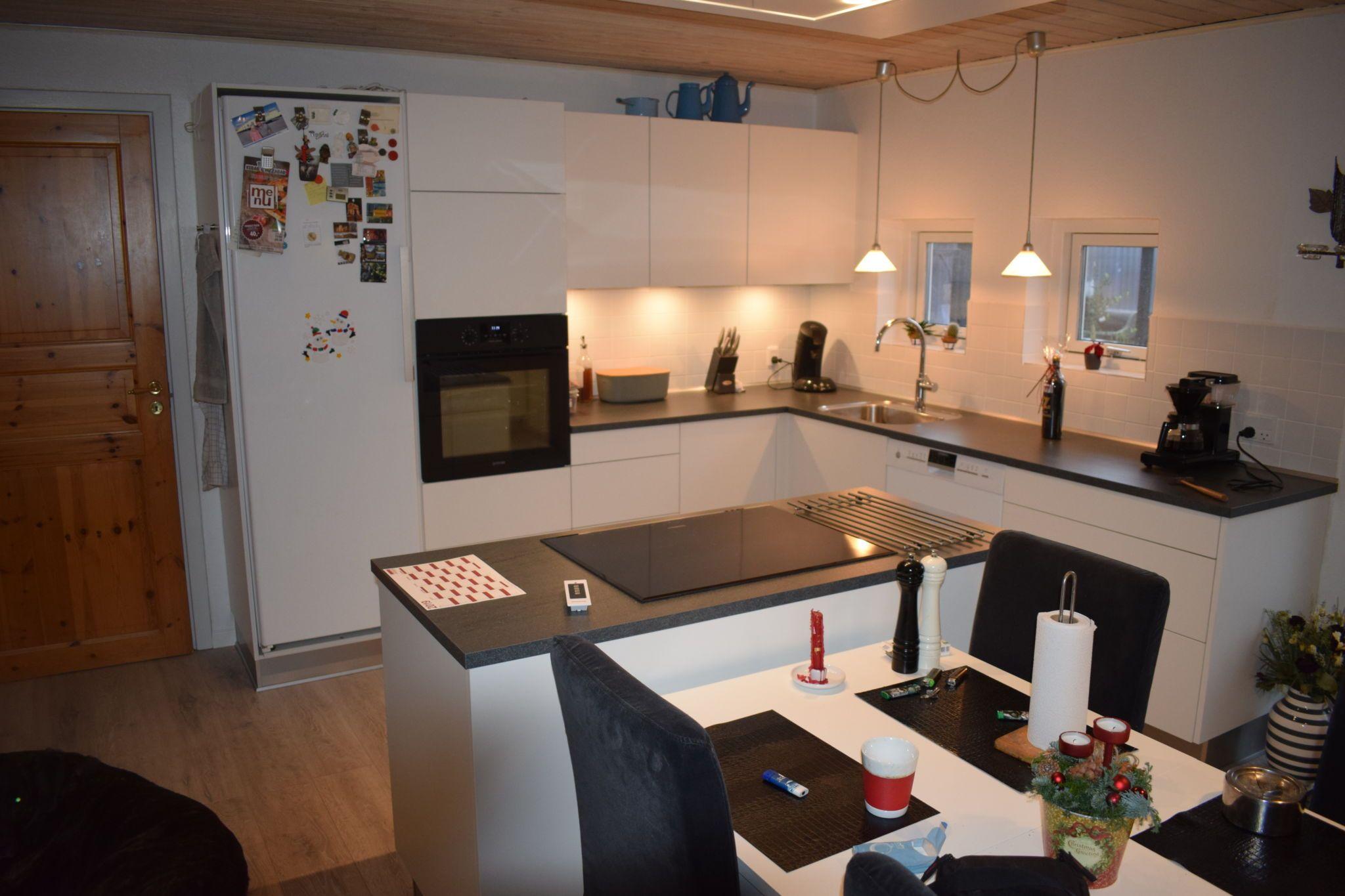 Renovering af køkken foretaget med flot resultat - Hvidt lyst køkken